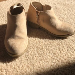 Girls size 9 old navy boots